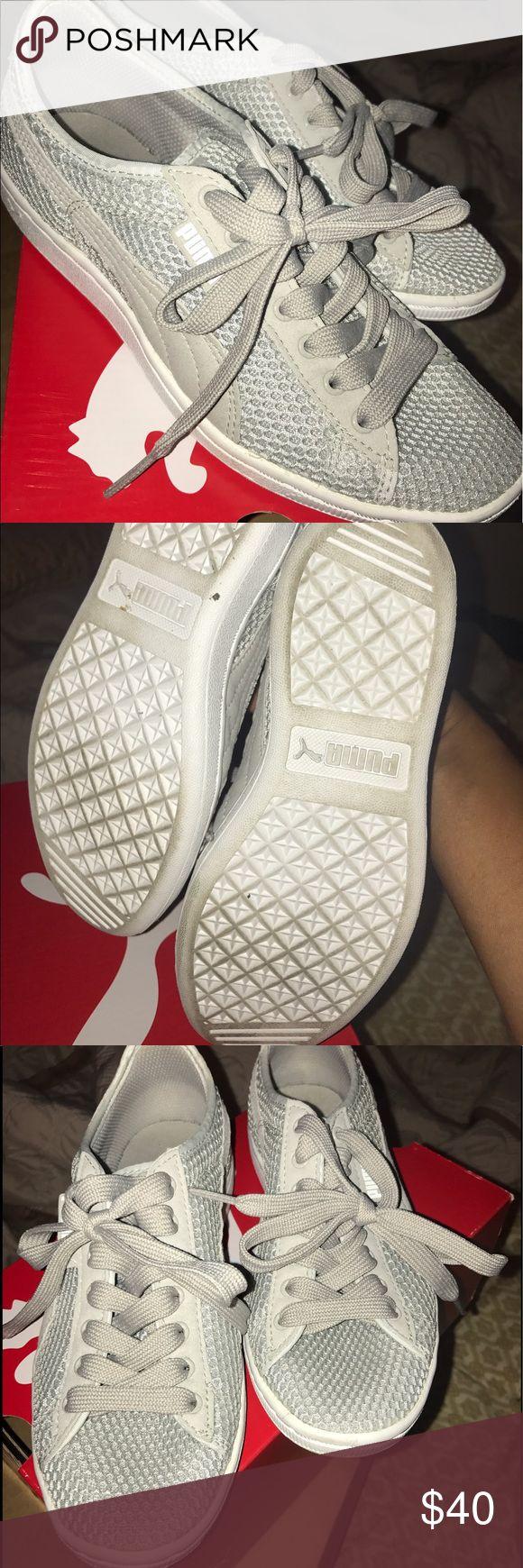 Woman's puma sneakers Worn twice woman's puma sneakers Puma Shoes Sneakers