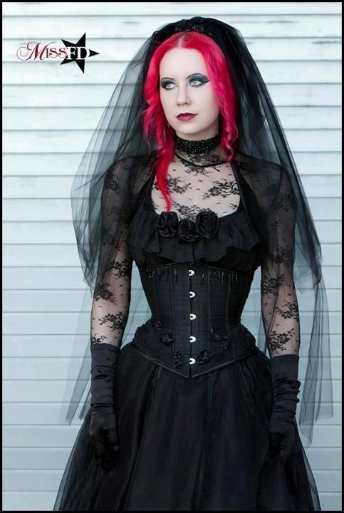 Goth Bride by mizzrammstein on DeviantArt
