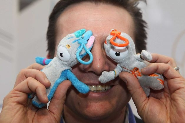 Former Olympic athlete, Roger Black poses with Olympic mascots Mandeville and Wenlock at the launch of Golden Bears 2012 range, at the Toy Fair 2011 in Olympia Exhibition Centre on January 25, 2011 in London, England. Photo: Tim Whitby, Getty Images / 2011 Getty Images