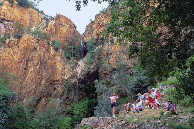 http://www.roomsforafrica.com/images/magaliesburg_hikers.jpg