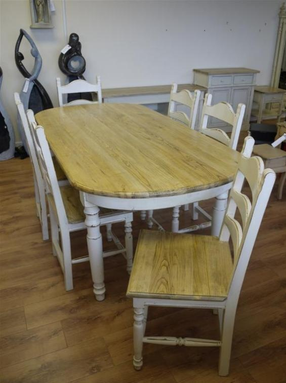 Stunning shabby chic rustic wooden farm house style for Rustic shabby chic dining table