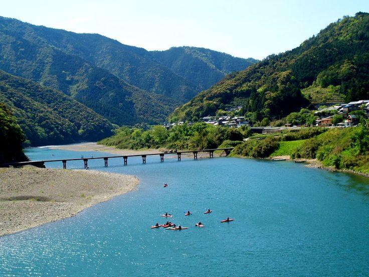 四万十川 Shimanto-gawa: Japan's last pristine river.
