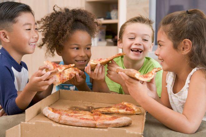 4 keys to raising selfless kids   MichaelFoust.com