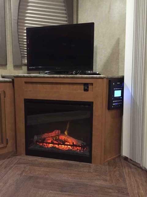 Best 25+ Dimplex fireplace ideas on Pinterest   Electric ...