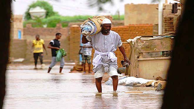 فيضانات السودان تهدد مناطق أثرية والمنازل المدمرة فاقمت معاناة السكان خلف فيضان النيل أكثر من السودان فيضانات آثار Www Alayyam Inf In 2020 Fashion Hipster Style