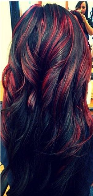 Long Wavy Black Hairstyle With Red Highlights