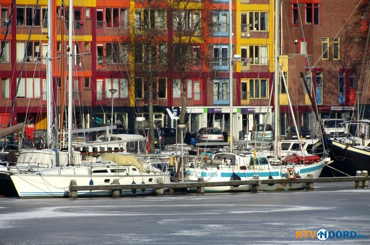 Oosterhaven en Oosterkade. Harbour in the centre of Groningen. The boats are stuck for a while...;o)