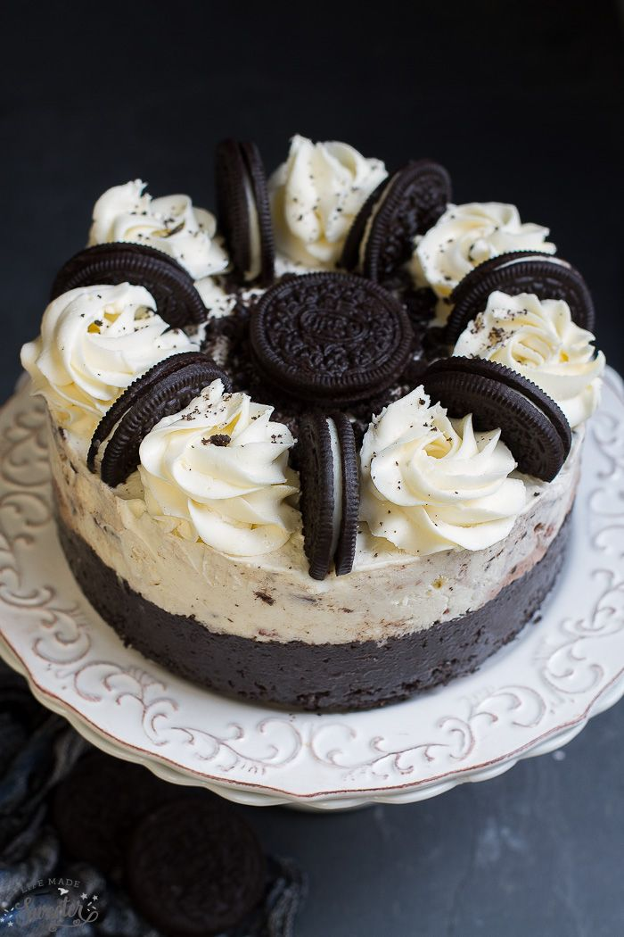 Cookies and Cream Oreo Ice Cream Cake - say Hello January with this easy to make cake with a soft Oreo cookie crust. Perfect for birthdays or any other celebration.
