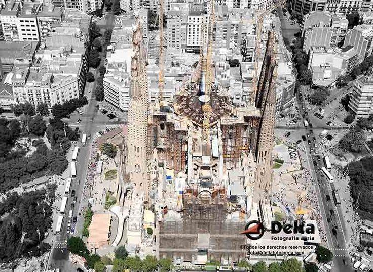 Templo expiatorio de la Sagrada Familia ©Delta Fotografía Aérea.