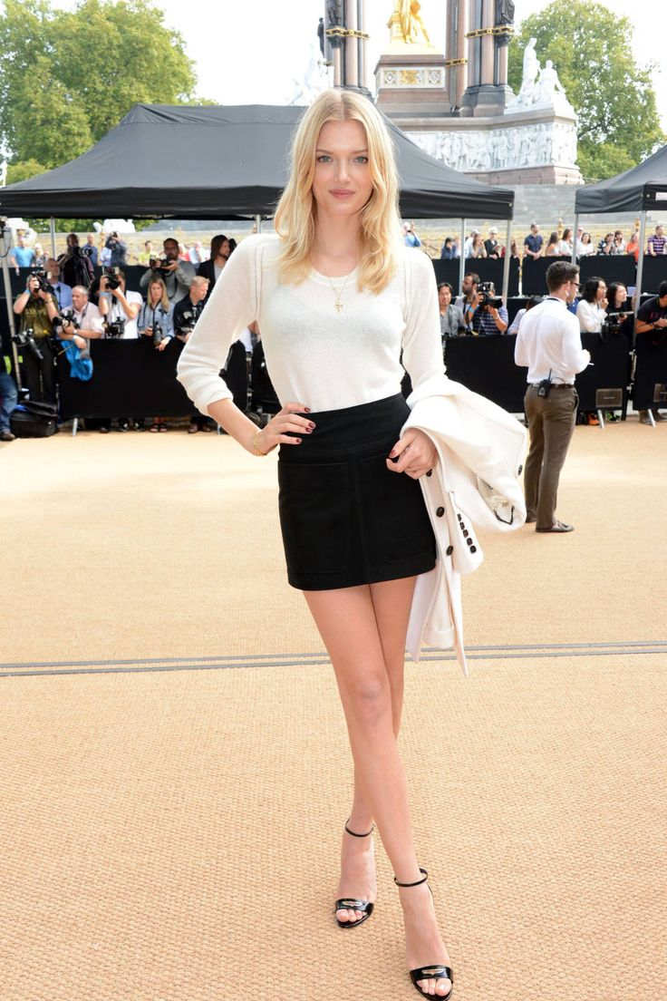 Lily Donaldson in Burberry at Burberry Front Row. See more front row fashionistas, here: