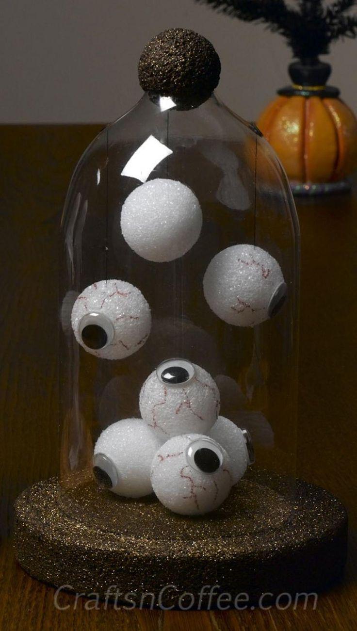 WOW!!!! Uen décoration d'Halloween qui aura tout un impacte dans votre maison! C'est presque.... CHIC! Hahahah! Mais ça reste pour l'Halloween! VOUS AUREZ BESOIN: -De bouteilles de 2L. en plastique, bien lavées et bien rincées, en vous souhaitant qu