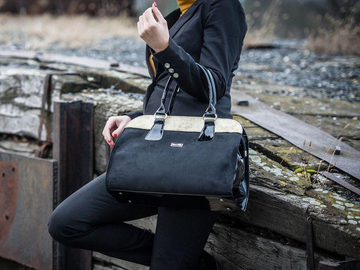 Válogass oldalunkon, ahol megtalálod az idei év trendi táskáit! www.ekszertaska.hu