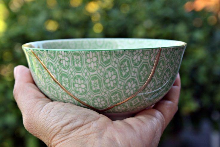 Kintsugi Vintage bowl, cuenco Kintsugi porcelana oriental. Colección Butterfly nº5 de KanelaSuri en Etsy