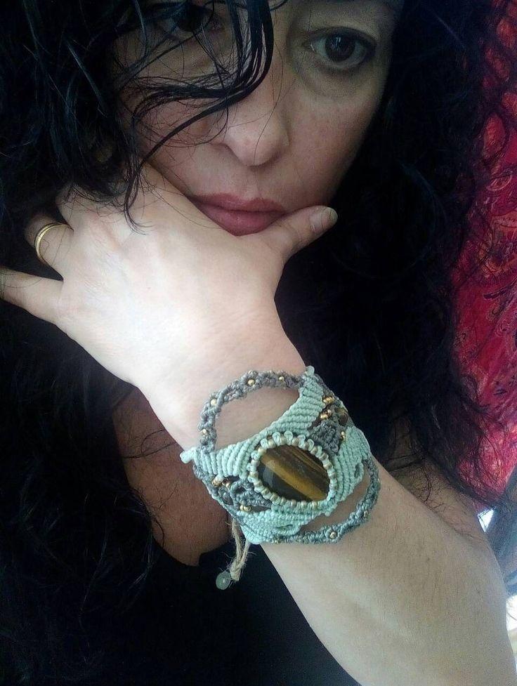 Quiero compartir lo último que he añadido a mi tienda de #etsy: Ojo de tigre brazalete, joya de la naturaleza, talismán de la suerte, joyería artesanal, regalo para ella, http://etsy.me/2FllsgC