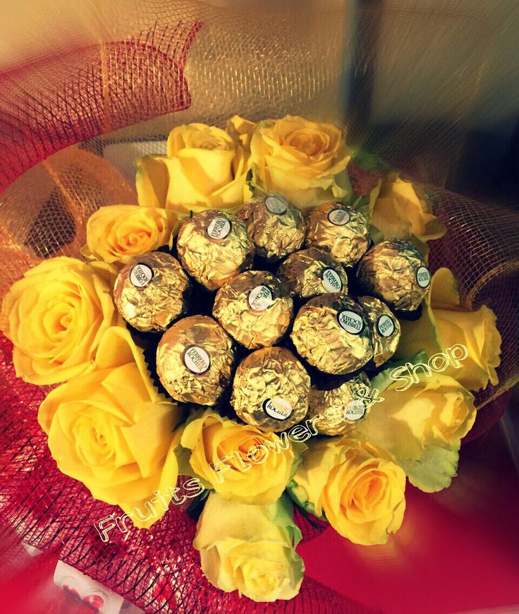 Bouquet de rosas y rocher