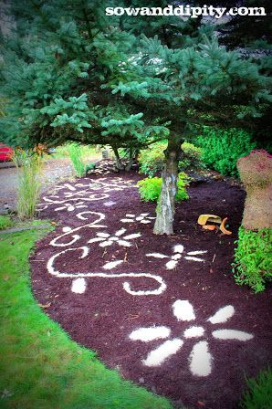 Garden Mulch Ideas easy landscaping ideas for front of house Create Amazing Patterns Over Your Bulbs For Winter Bark Mulch Design By Sowanddipitycom