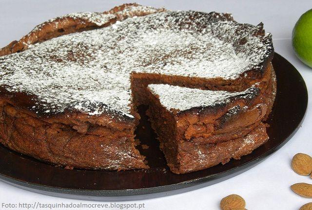 Receita de Bolo de Amêndoa com Chocolate (Algarve) | Doces Regionais
