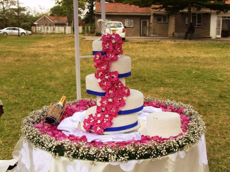 Royal Blue And Hot Pink Wedding Cakes
