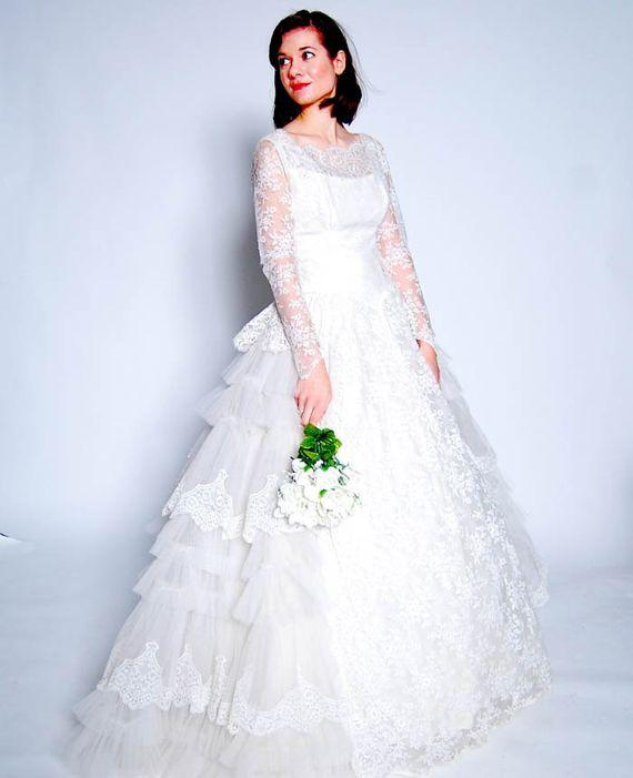 26 best CVintage wedding gown images on Pinterest | Short wedding ...