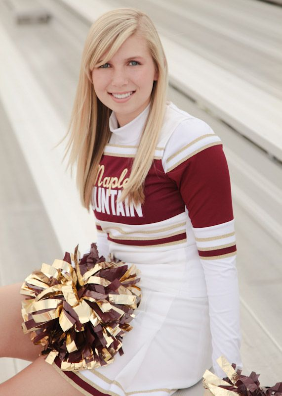 A cheerleader photography session 3