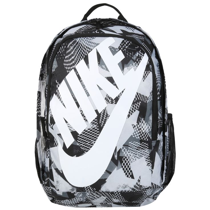 A Mochila Nike Hayward Futura 2.0 - Prin Cinza e Preto oferece amplo espaço para seus itens com bolsos adicionais para armazenamento extra. Além disso, conta com estampa estilosa e alças ajustáveis.   Netshoes