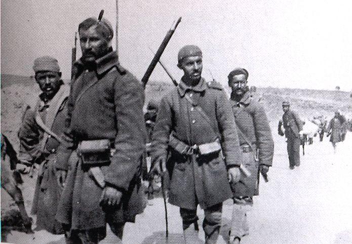 Greek_Evzones_in_Epirus_1913