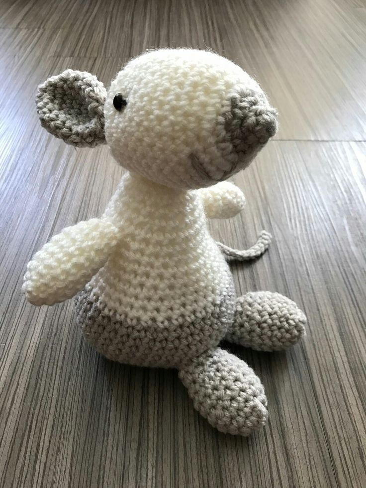 Olga the mouse, Pattern by Julia Hannes