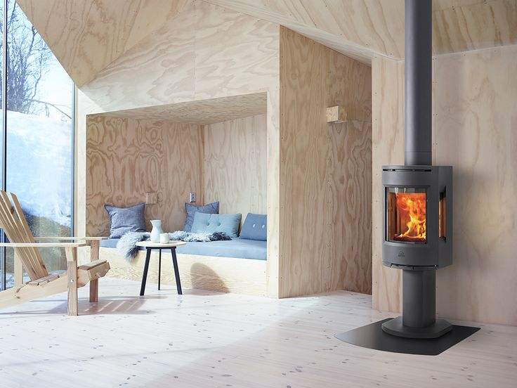 Jøtul F 130-series is a modern and stylish designed woodstove. For houses with a low energy demand, this stove is an ideal option. Image: Jøtul F 137