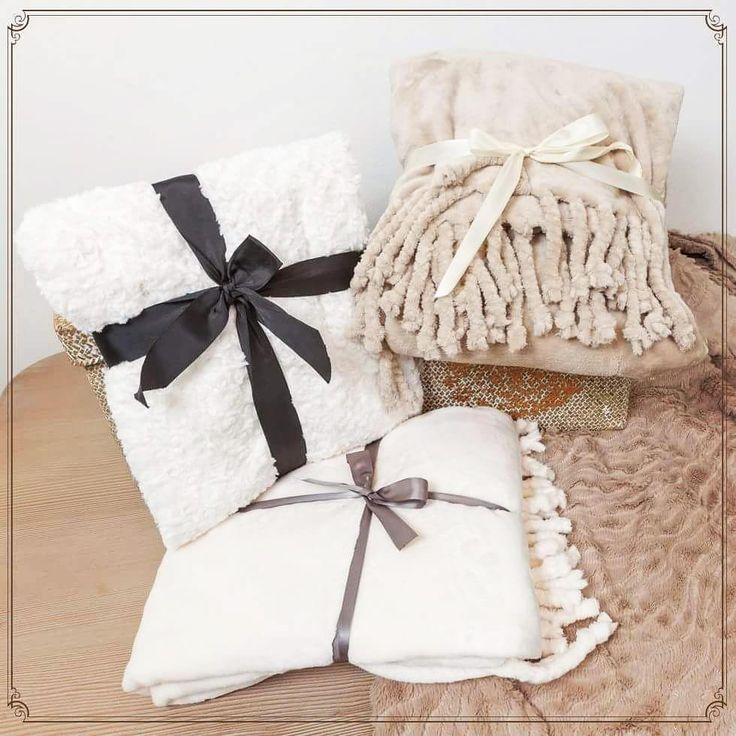 Beautiful Cozy Blankets that feel like the warmest summers in the middle of december during Christmas!