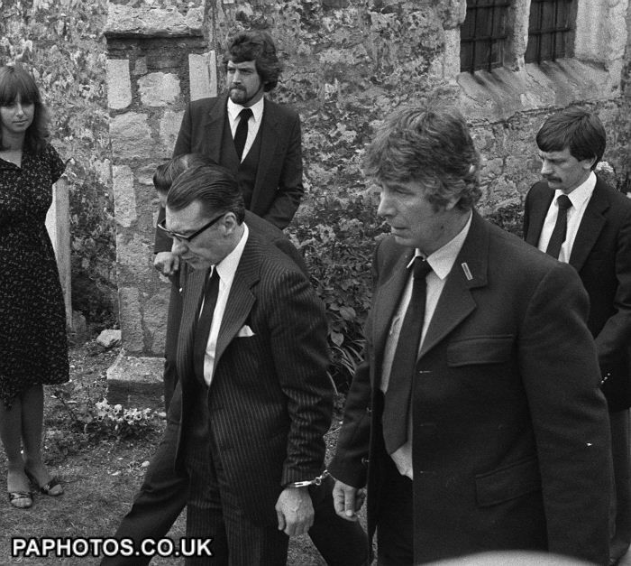 Ronnie Kray at mothers funeral