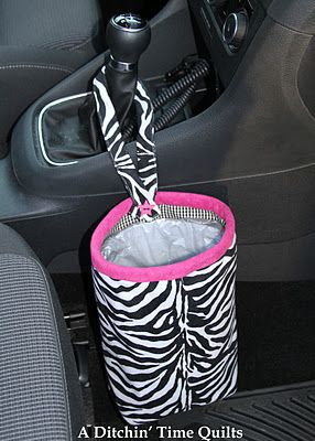 Trash bag for the car tutorial: Definitely want to make this!: Car Tutorial, Sewing Projects, Car Trash Bags, Diy, Craft Ideas, Plastic Bag Holder