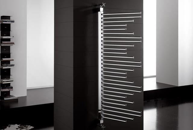 move system - Radiatore dal collettore verticale girevole che permette di creare disegni e forme funzionali infinite con in più il movimento dei suoi elementi.