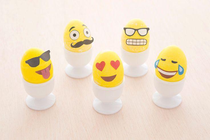 emoji eggs // How to Make Emoji Easter Eggs (+ Free Printable!) via Brit + Co.
