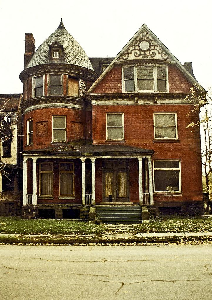 https://flic.kr/p/aSqCGD | 82 Alfred St, Brush Park, Detroit | This one still stands and is occupied on the west end of Alfred Street.  It was built for JP Donaldson in  the 1870's, relatively early for Brush Park.  For a time it was used as a boarding house and is now again a single family residence.  It appears to be intact on the exterior at least!  UPDATE: detroit.curbed.com/archives/2012/10/198-k-fixerupper-stil...