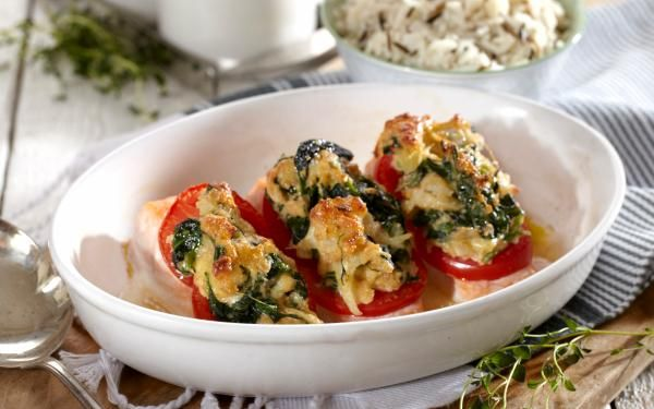 Oppskrift på ovnsbakt laks med tomat og spinat, foto:
