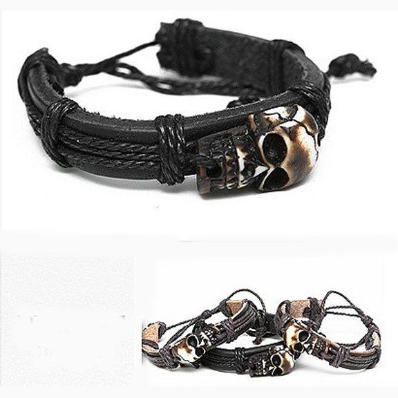 Leather pirate bracelet w/skull