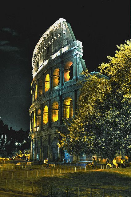 Colosseum at Night, Rome #rom #colosseum