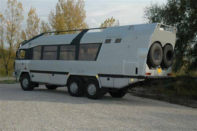 Tatra 815 6x6 -Safaribus-