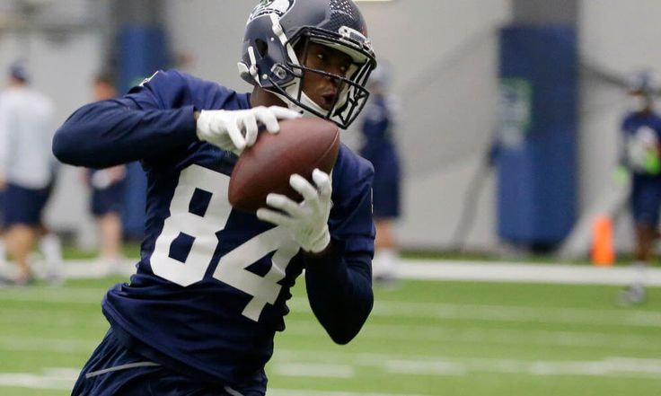 Not time to push panic button on Amara Darboh = Seattle Seahawks wide receiver Amara Darboh has yet to really get his feet on the ground in the NFL, and there is already an imaginary sense of urgency kicking in before the start of the season. It's a typical feeling ahead of.....