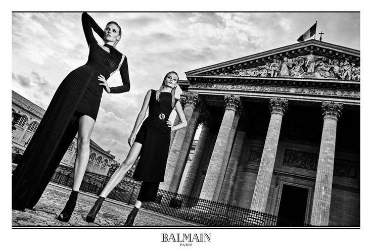 La campagne Balmain automne-hiver 2017-2018 robe noire de soirée ou de cocktail