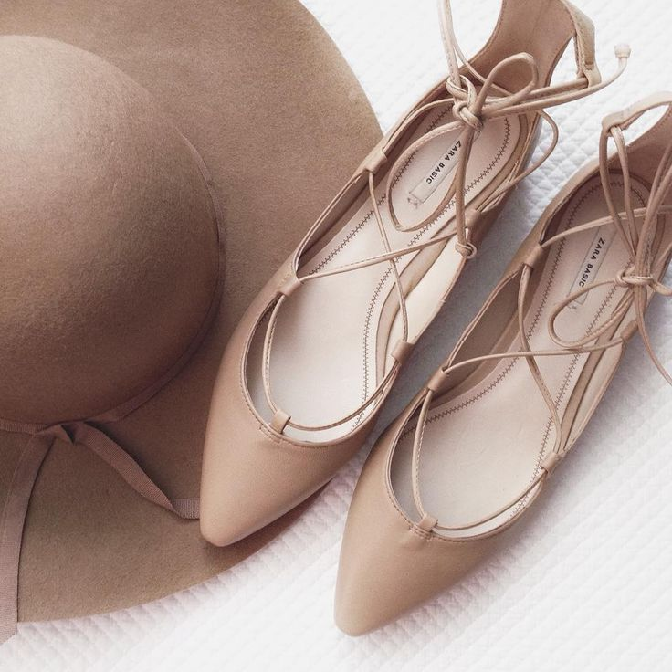 Shades of nude for fall - Zara lace-up flats and Old Navy floppy hat
