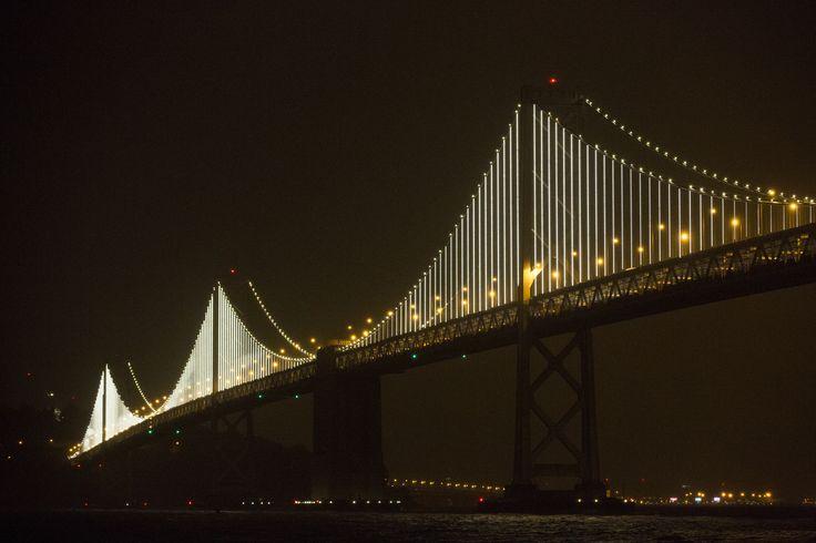 Bay Lights: Elaborate sculpture lights up San Fran bridge (Photo: NBC Nightly News)
