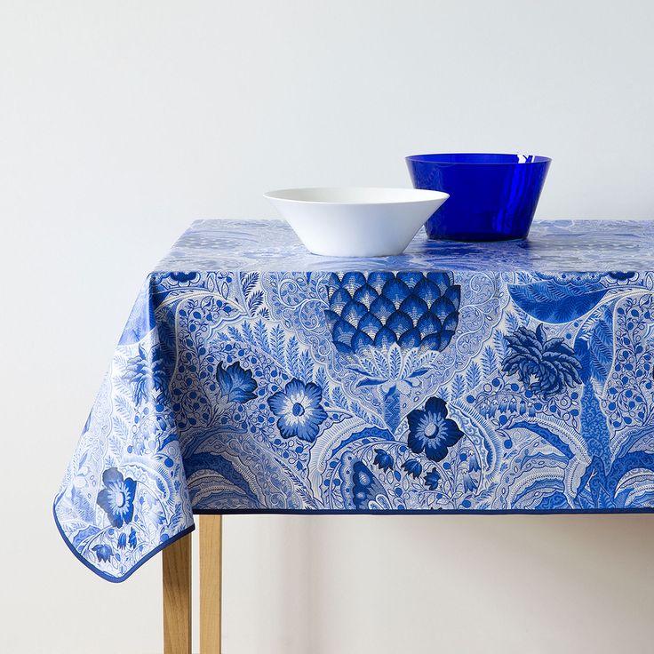 Mantel plastificado piñas azules