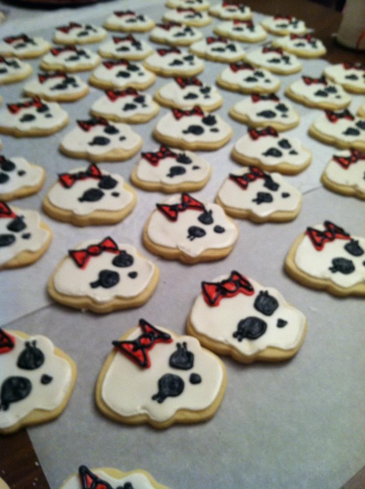 bake plain skull sugar cookies and let the girls decorate their own with icing!