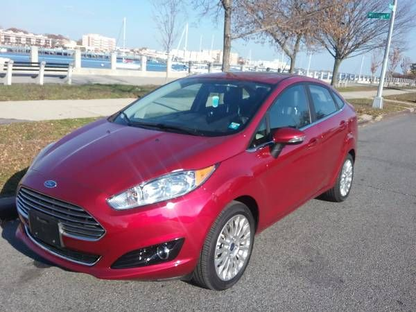 2016 FORD FIESTA TITANIUM FULLY LOADED PRIVATE SELLER ONLY 1,100 MILES