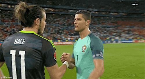 isto é o futebol, é o companheirismo.