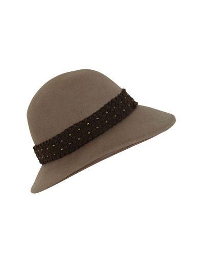 SuiteBlanco- sombrero trenza tachas
