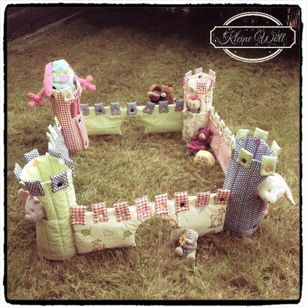 Nähanleitung für eine Stoffburg zum Spielen / diy sewing instruction: sewed castle by Kleine-Woll via DaWanda.com