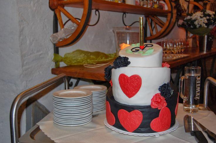 Caketown: Tort ślubny czarno - biały