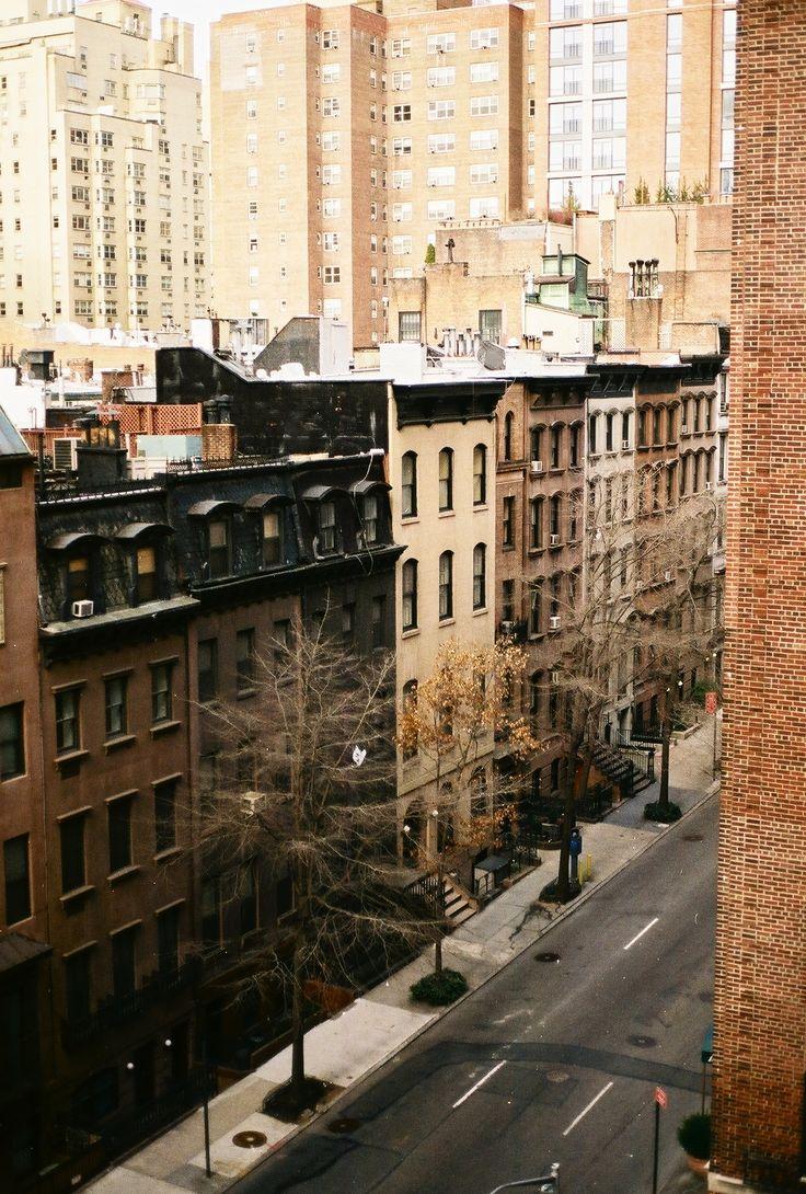 NYC - street - marron - beige - noir - saison froide - immeuble